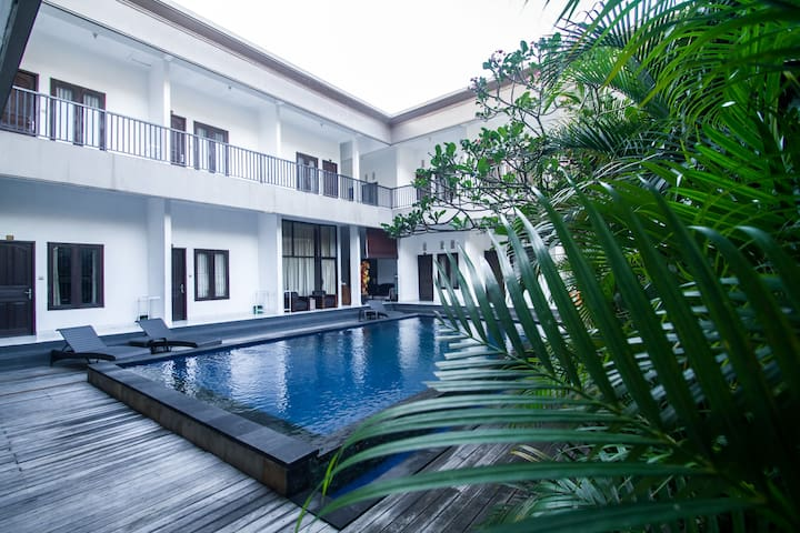 Seminyak Pool access comfy with reasonable price