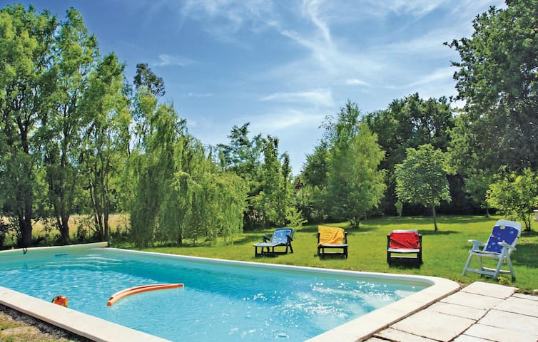 Semi-Detached with 1 bedroom on 60m² in Salon de Provence
