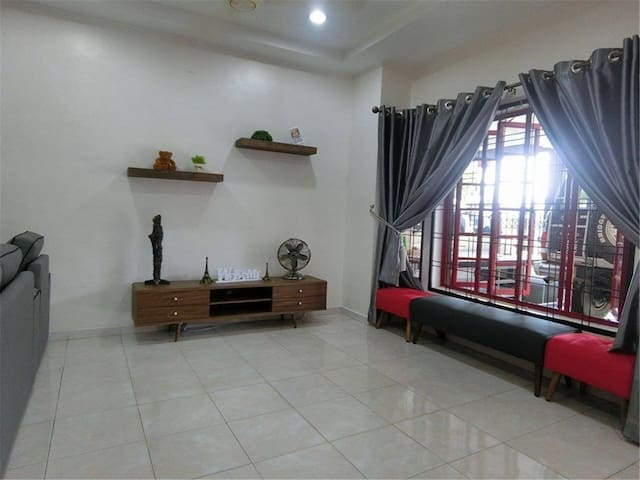 A Homestay with 3 Bedroom And 4 Bathroom