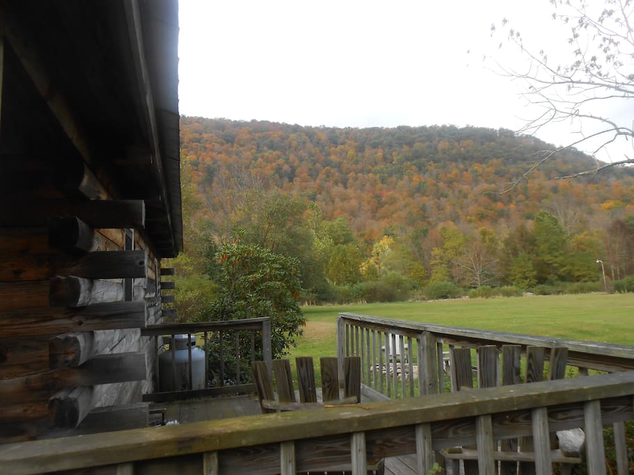 Gorgeous mountain views from the cabin deck
