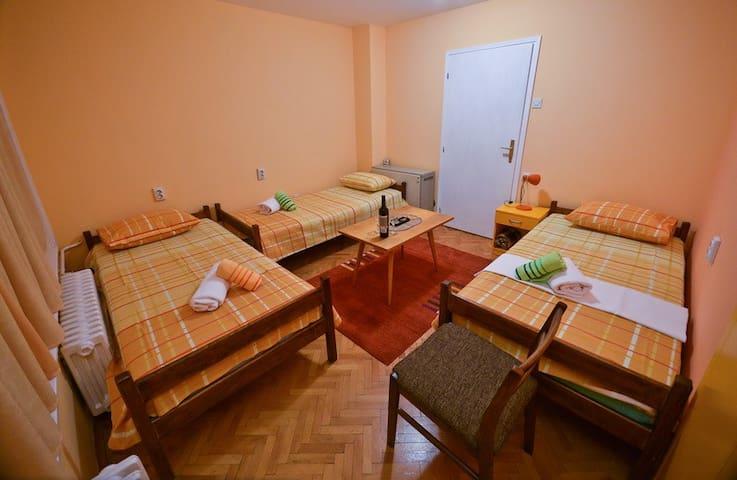 GLORIOUS - center - Room No.2