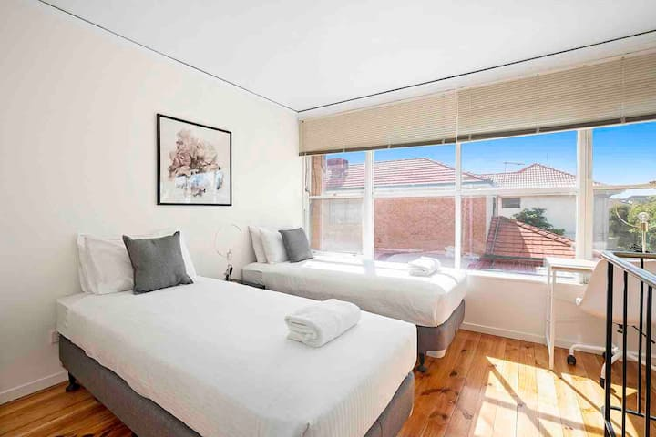 Domi Rentals - The Murra Apartments