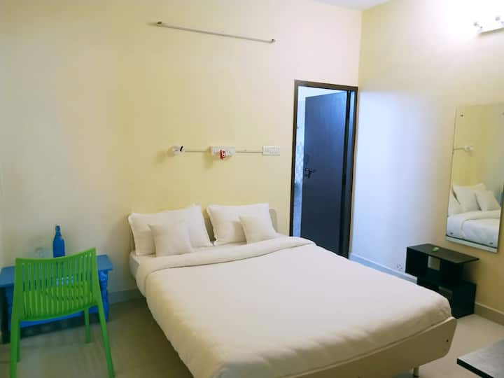 Long stay Private Room at Sholinganallur, Chennai