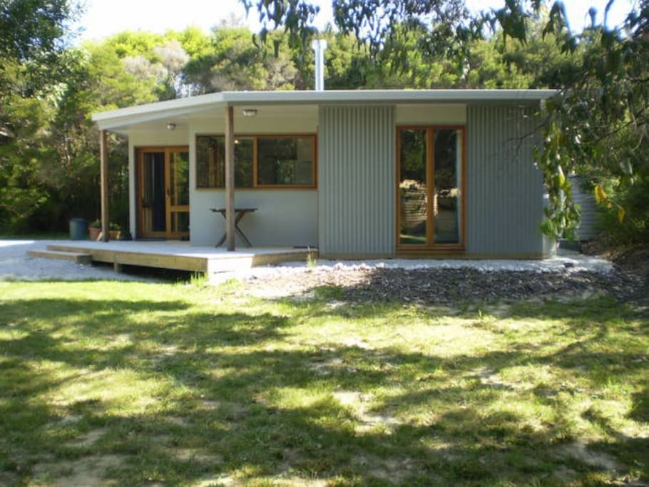Walkerville Spinney Solar Passive Beach Cottage