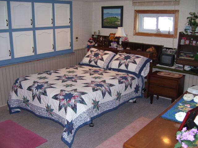 Double room in basement