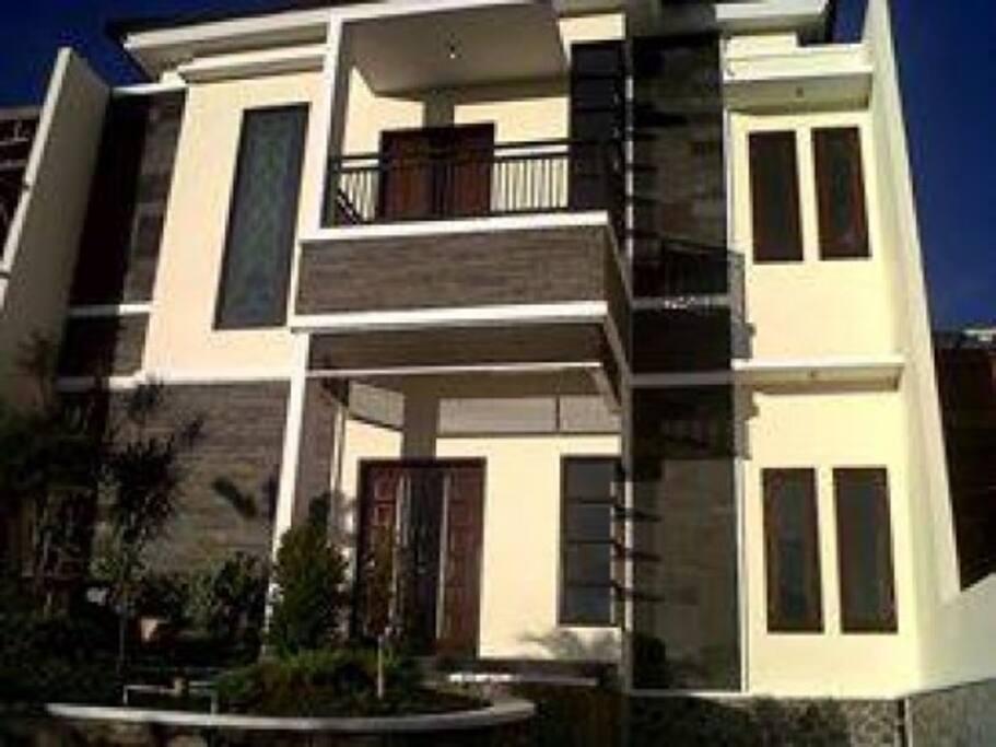 Tampak Depan Villa Kencana Apel D3 - Jl.Abdul Gani Atas , Batu - Malang, Jawa tImur