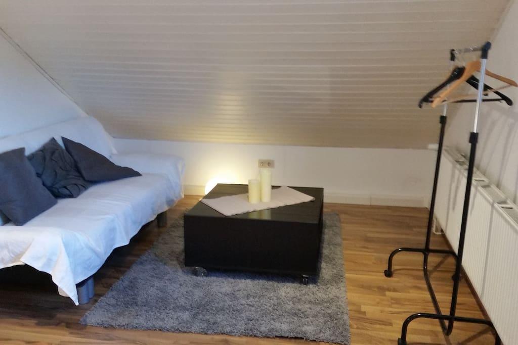 Zimmer 1 Wohnbereich