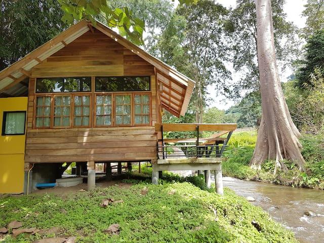 River whisper - Tambon Sop Poeng