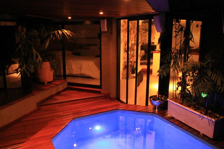 Cool morumbi with private HOT  jacuzzi