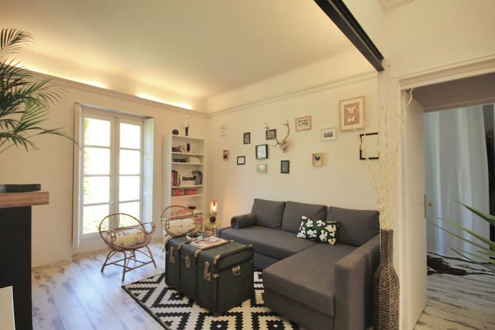 appartement avignon centre clim wifi 4 guest wohnungen zur miete in avignon provence. Black Bedroom Furniture Sets. Home Design Ideas