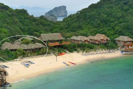 Bungalow suite at monkey island  - Halong