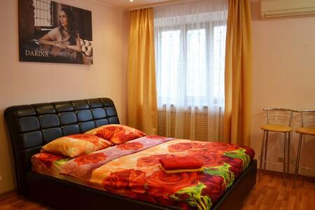 Уютная квартира-студия на ул.Садовой в г.Шахты