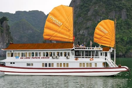 Halong Bay for backpackers - Trúc Bạch