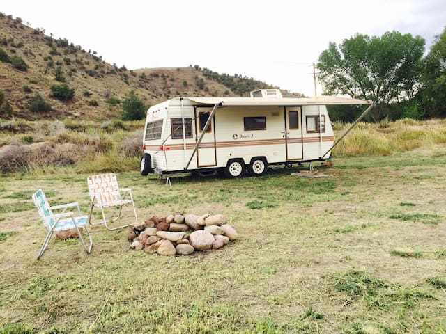 Ranch Style Camper (Fire Pit area)