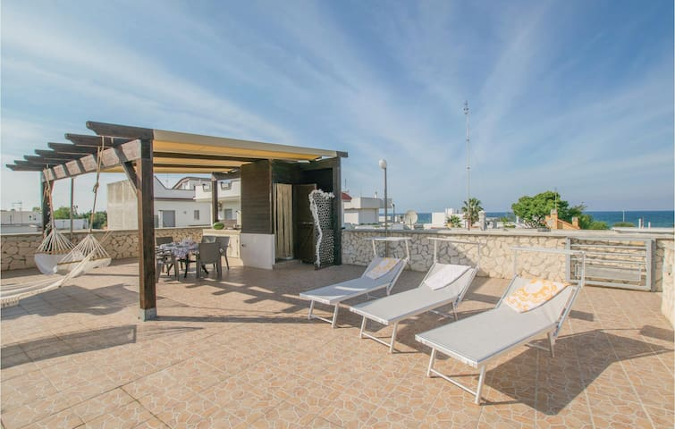 Holiday apartment with 3 bedrooms on 100m² in Bari