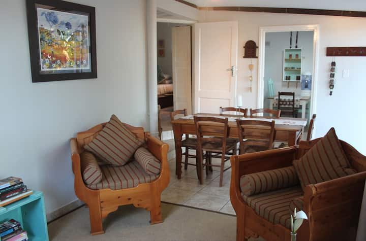 Rooi Kudu Cottage - private & comfortable