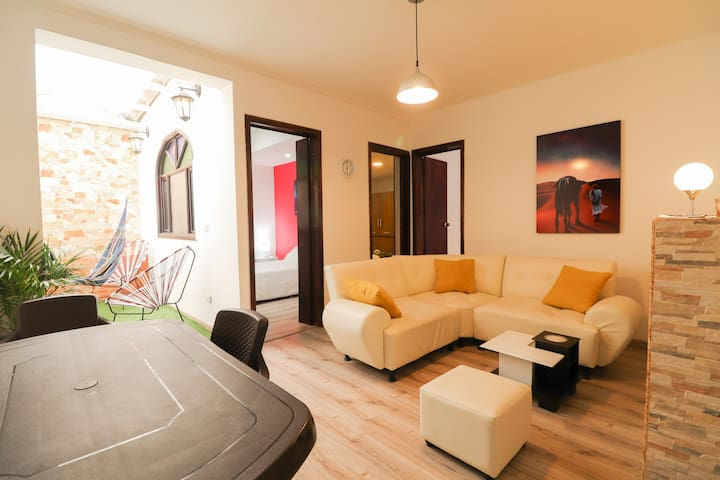 COZY AND SPACIOUS 3 BEDROOMS APARTMENT