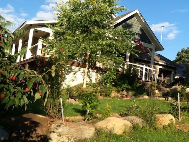 Chautauqua Highlands Retreat