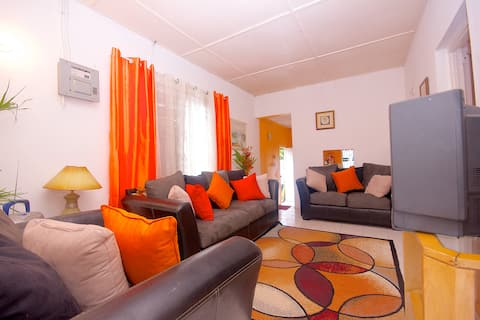 Palm Cottage  - Two Bedroom/1 Bath