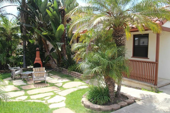 Cozy Bungalow - Steps to the Beach! - Carlsbad - Huis