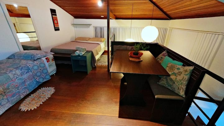 Home office & Pet Friendly, 5 mins Rua das Pedras