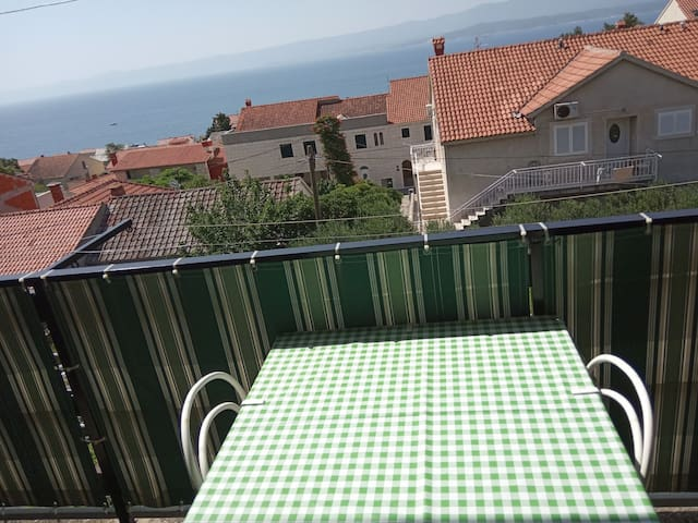 Apartman happy ( Sea wiew and peace)2