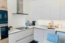 Duplex Apt 2/3  Bedrooms & large eat in kitchen