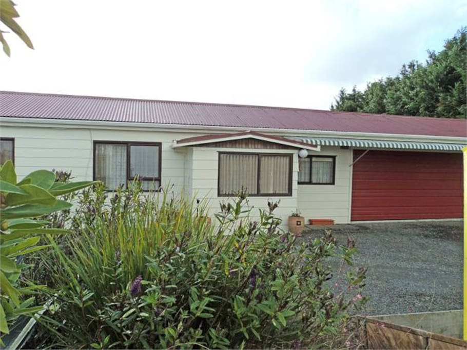 Suzy's BnB - self contained, stand alone cottage (road side view). Free parking on site.
