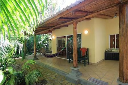 2 Bedroom House Close to Surf, Market, and Dining - Nosara