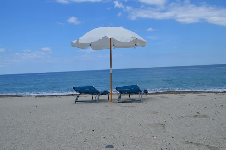 House Just 30 Meters from the sea.  - Santa Caterina Dello Ionio Marina - Pis