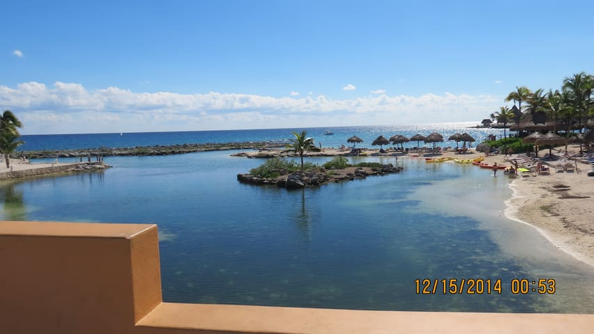Gorgeous 3 Bd on Lagoon and only 250 ft from beach - Puerto Aventuras - Condomínio