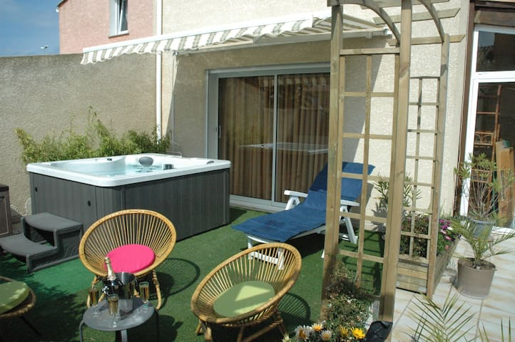 Chambre d'hote naturiste Cap d'Agde - Agde - Bed & Breakfast