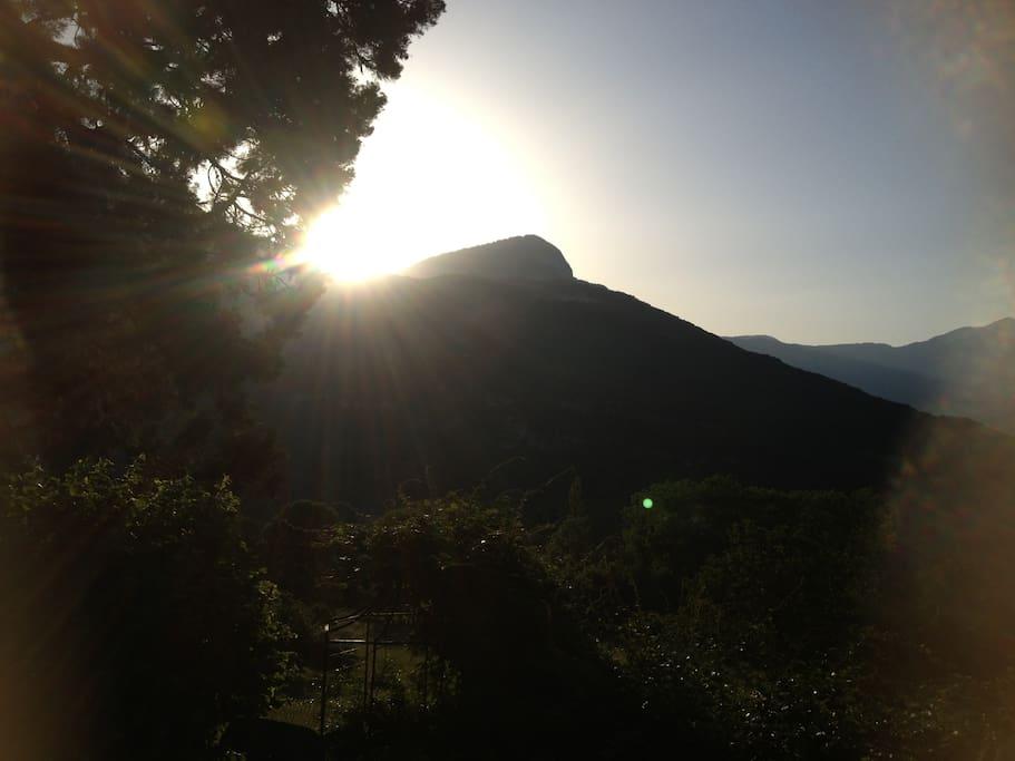 Le lever de soleil sur le Peney.