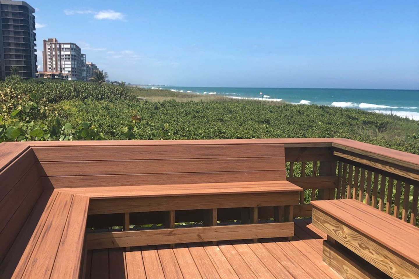 Sit on the deck and and enjoy  a refreshing cocktail while overlooking the ocean.