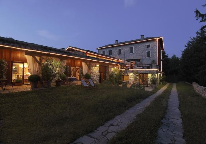 Stunning Villa cozy privacy with pool - Cernobbio
