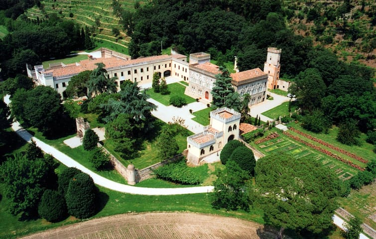 Volto - Castle with heated pool and organic wines - Monselice - Istana