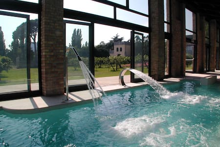 Volto - Castle with heated pool and organic wines - Castle