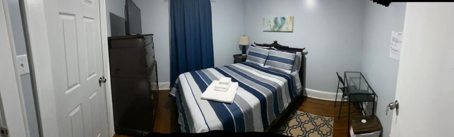(B)Comfortable Room close to NY.Blue House Room B