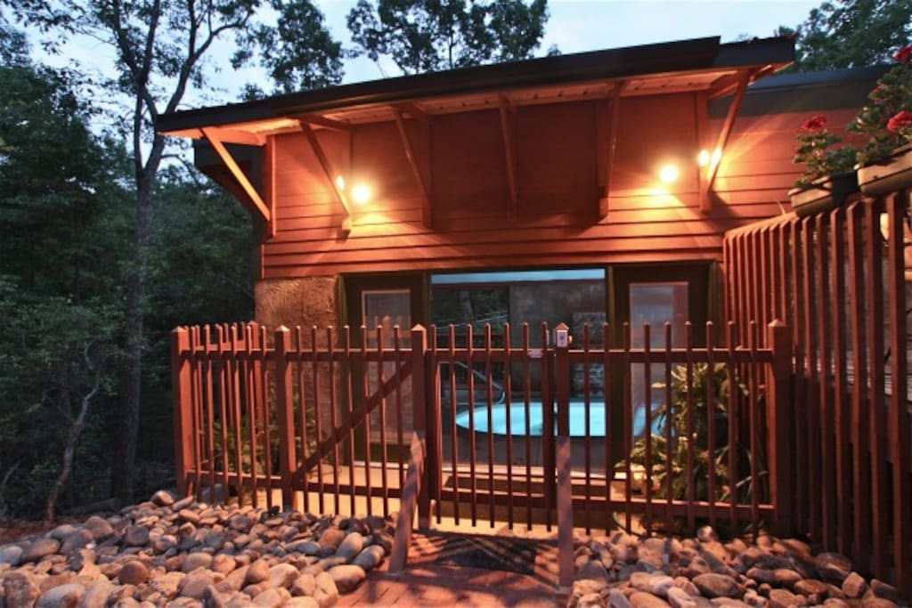 1 br cabin w pool private cabins for rent in for Private cabin rentals in tennessee