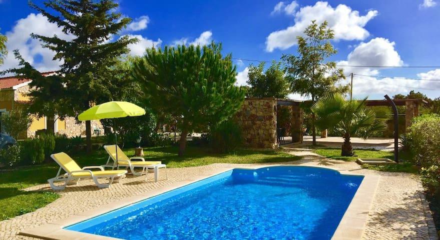 Villa Rodrigues p/férias c/total privacidade - Pêra - Ev