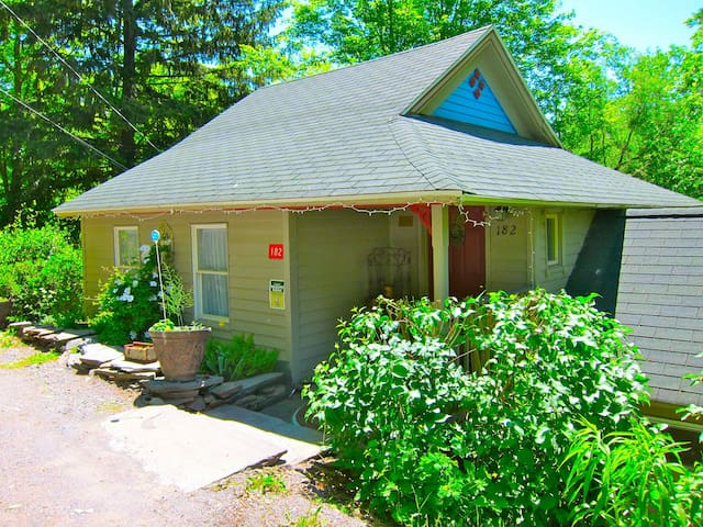 Brookside House near Belle Ayre Mtn - Fleischmanns - House