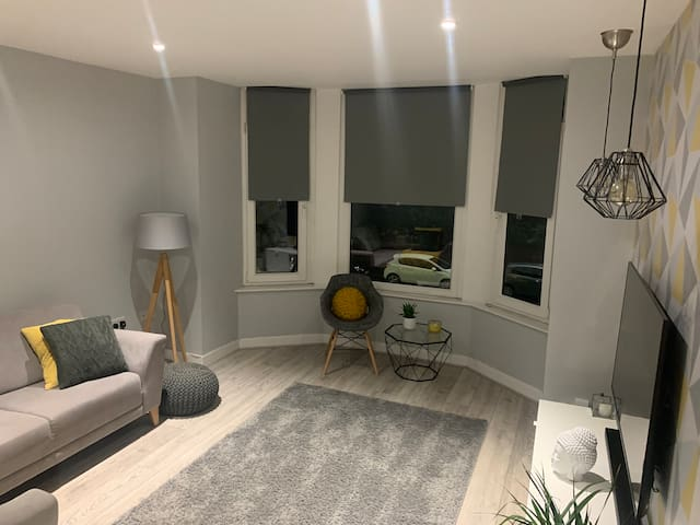 Bright spacious 1 bed apartment In Portsmouth