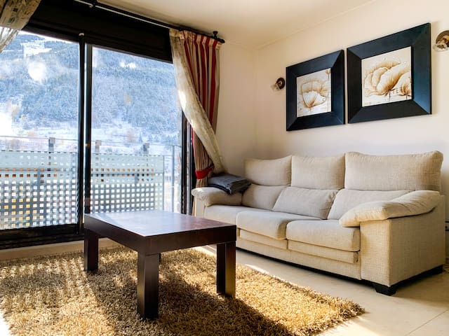 Orchid Design and views at the foot of the slopes