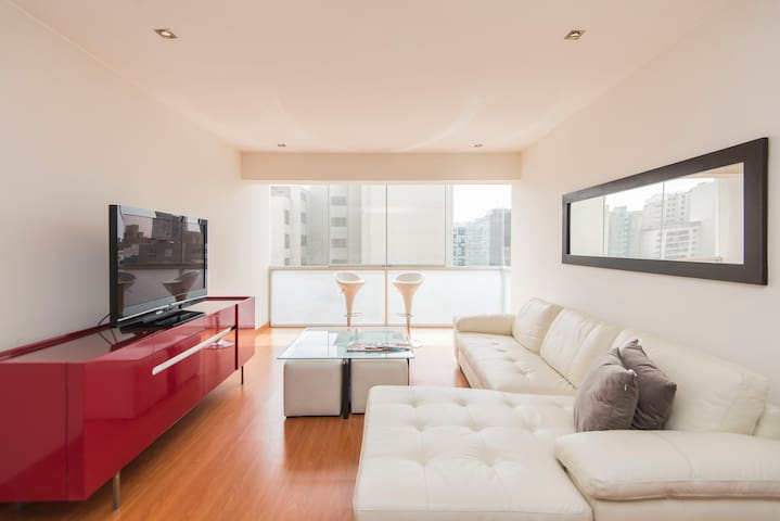 TOP Location for FOODIES in MIRAFLORES!!! - Miraflores District - Apartment