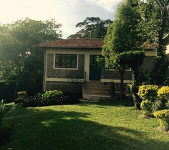 Quiet and Serene House - Nairobi - Hus
