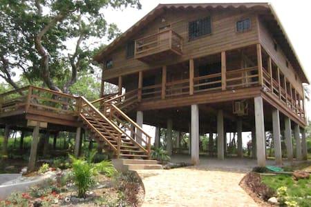 La Mayur Cottage - Utila,Bay Islands