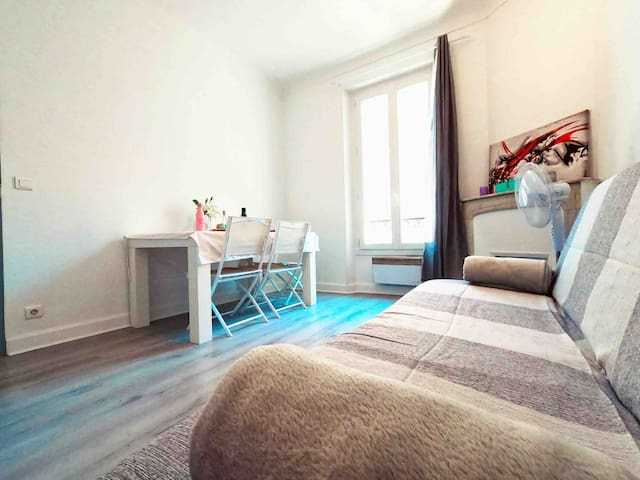 Cosy 2 rooms 20 min walk to Le Palais - Parking