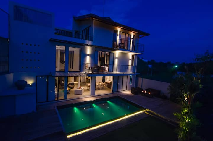 The Mangrove - Private Villa - Colombo