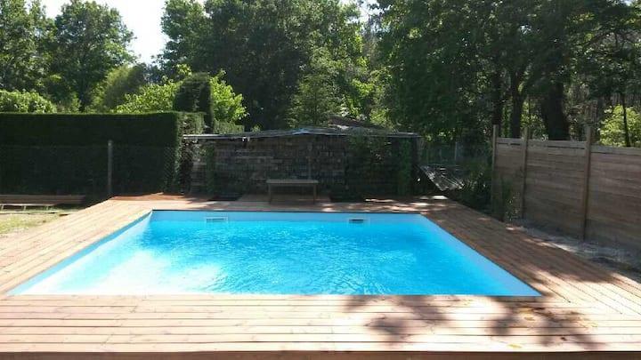 Villa de 150m2+piscine chauffée.