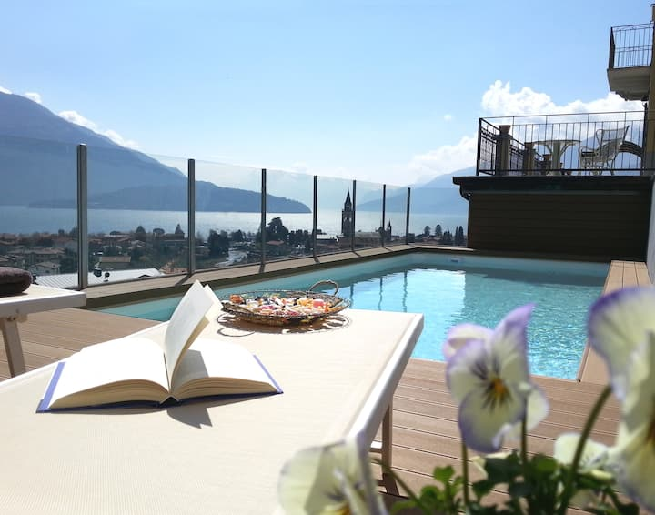 Villa Perla del Lago : garden, pool and hot tub